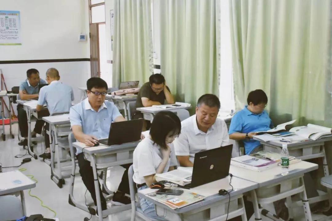 2021年电白春华学校高中部教师招聘公告